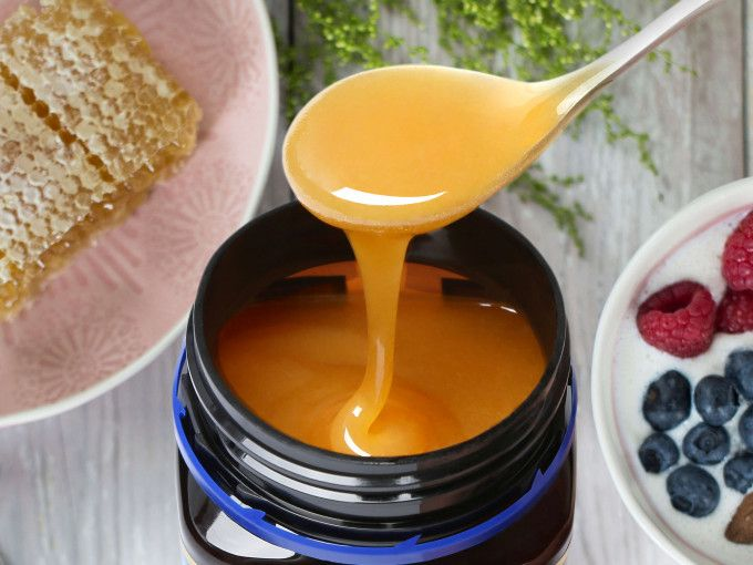 The Benefits Of Manuka Honey: Q&A With Nutritionist, Katie Lane