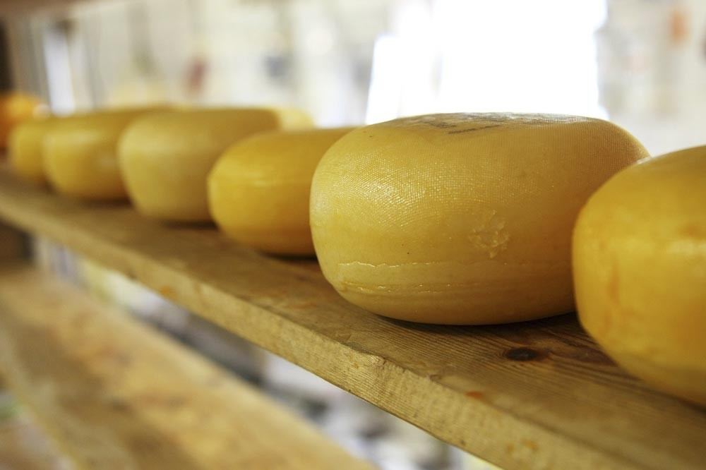 Dairy product such as cheese will help contribute to more zinc